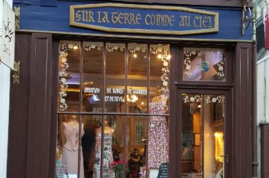 Photo de la vitrine de la boutique Zélia Sur La Terre Comme Au Ciel